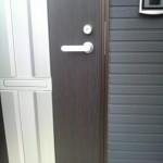 左勝手ドア