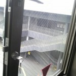 滑り出し窓